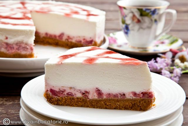 Cheesecake with Strawberries and Rhubarb Ricotta - recipe is in Romanian, some browser can translating it for you automatically.