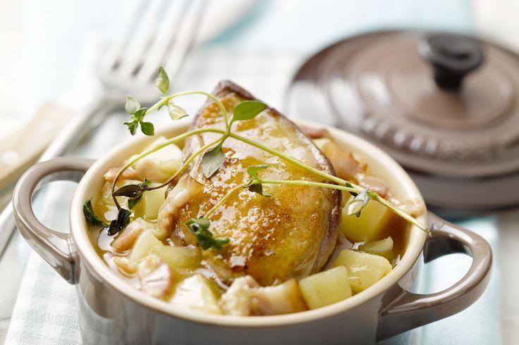 Gelukkig al lang niet meer een vergeten groente, pastinaak. Deze knol leent zich uitstekend als vuller in een stoofpotje met duif.