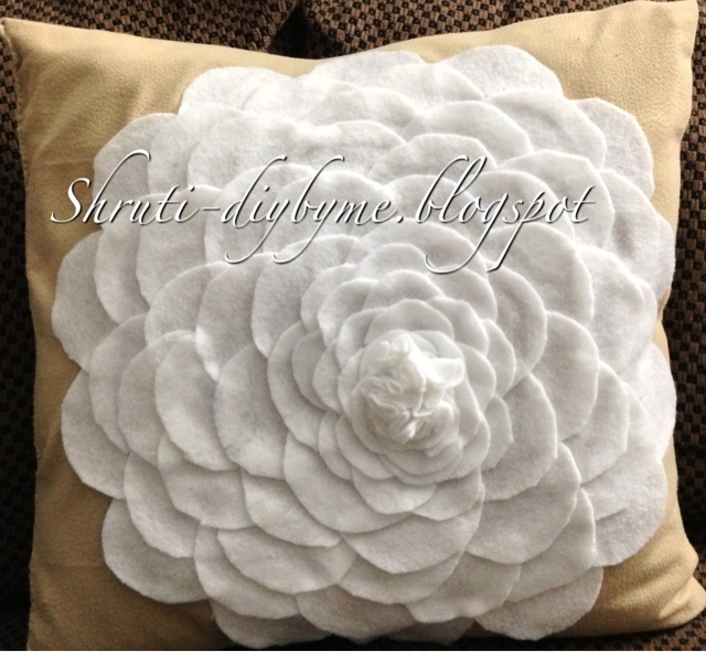 186 best beautiful flower pillows diy images on pinterest 186 best beautiful flower pillows diy images on pinterest pillows cushions and toss pillows solutioingenieria Gallery