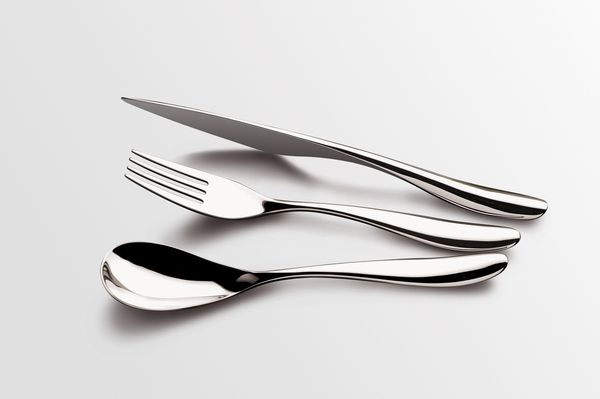 Pétale - Eternum by pierre duthoit.  Beautiful fluid cutlery design.