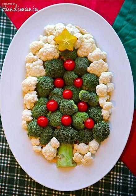 ブロッコリーとカリフラワーで作ったクリスマスツリー