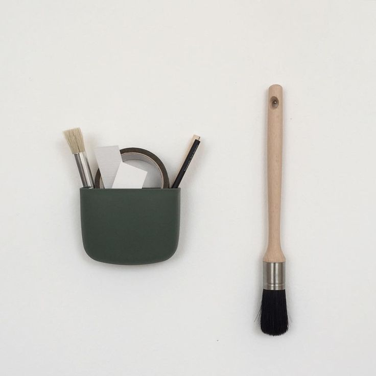 Use the wall mounted Pocket as a creative solution for your toolkit