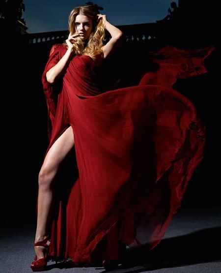 .: Lilies Donaldson, Red Dresses, Fashion Design, Red Maroon Dresses, Beautiful Lady, Flowing Dresses, Chiffon Skirts, Flowing Red, Red Hot