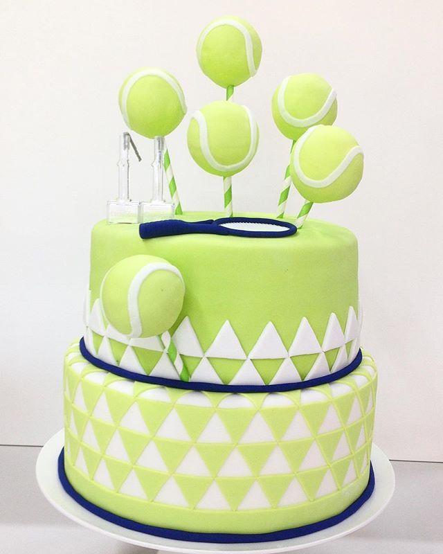 Let's play tennis #tenniscake #playtennis #missbee #cakesmissbee