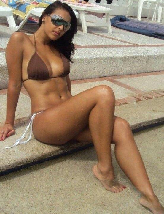 Amateur sexy latina curves