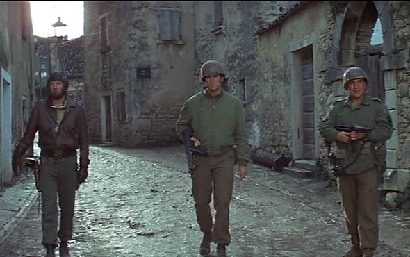 Clint Eastwood with Telly Savalas and Donald Sutherland in Kelly's Heroes