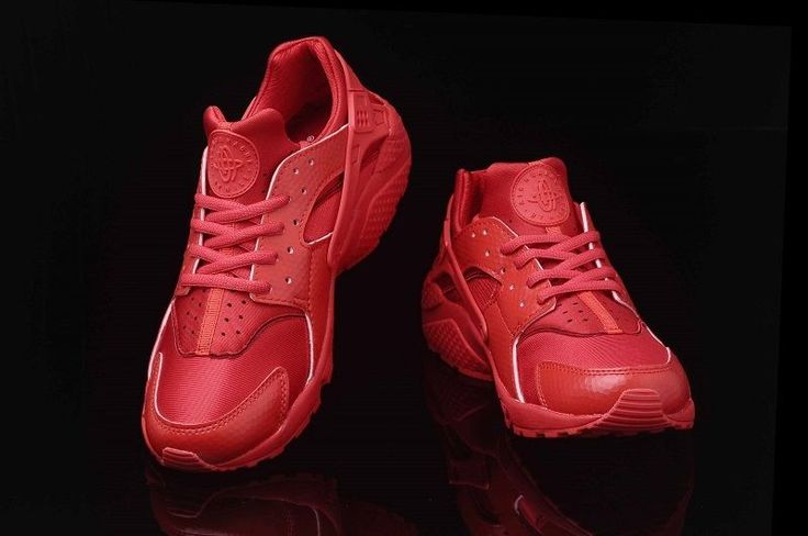 nike air huarache rouge via nikeairhuarache. Click on the image to see more! #chaussure #basket #mode #homme #été #nike