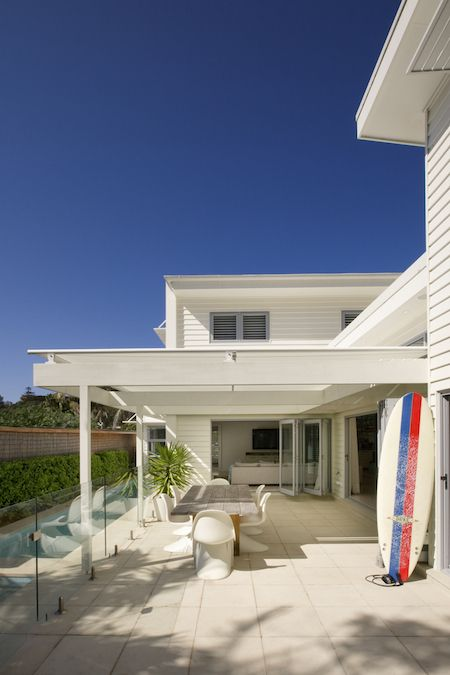 A 1950s inspired weatherboard house fit for a beach lifestyle in Manly Beach