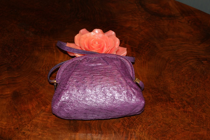 Walking handbag in ostrich. Borbonese redwall