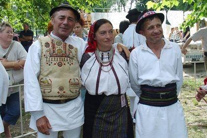 Moldvai csángó népviselet - party time :)
