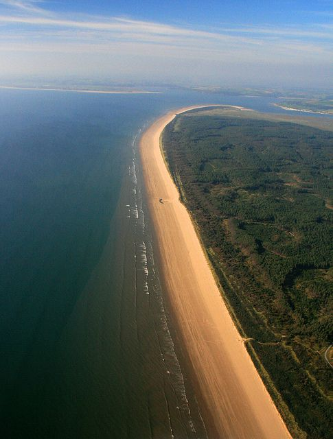 7 mile long Cefn Sidan beach, Pembrey Country Park, Carmarthenshire, Sep 2009 by discover carmarthenshire, via Flickr