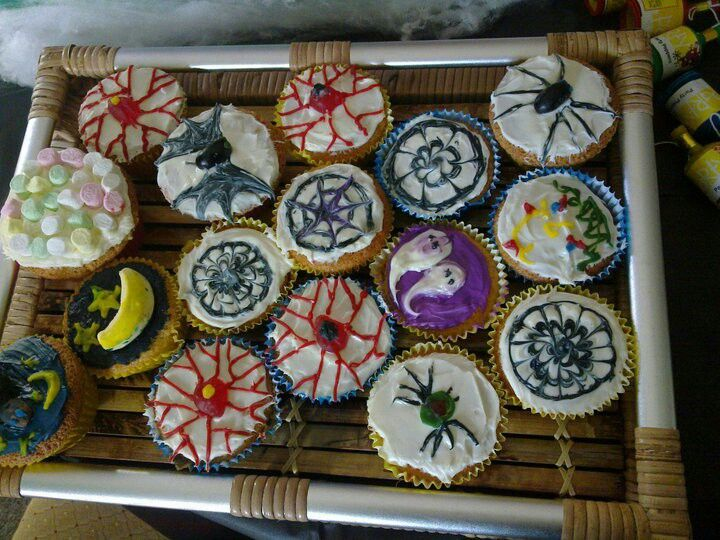 Spooky cup cakes