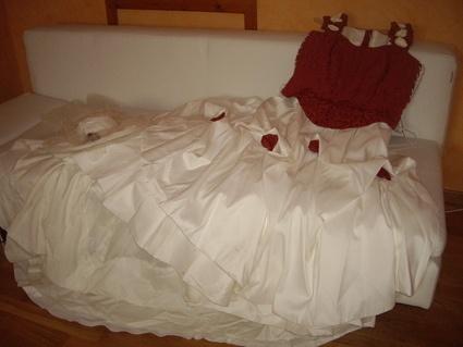 Robe de mariée Couleur ivoire et bordeaux T58