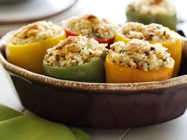 Sᴘᴀɴɪsʜ Sᴛᴜғғᴇᴅ Bᴇʟʟ Pᴇᴘᴘᴇʀs. Find summer recipe inspiration from your favorite chefs, kitchen organization tips and food storage solutions by visiting Help Around The Kitchen > http://www.foodnetwork.com/help-around-the-kitchen/package/index.html?soc=adbuyfb