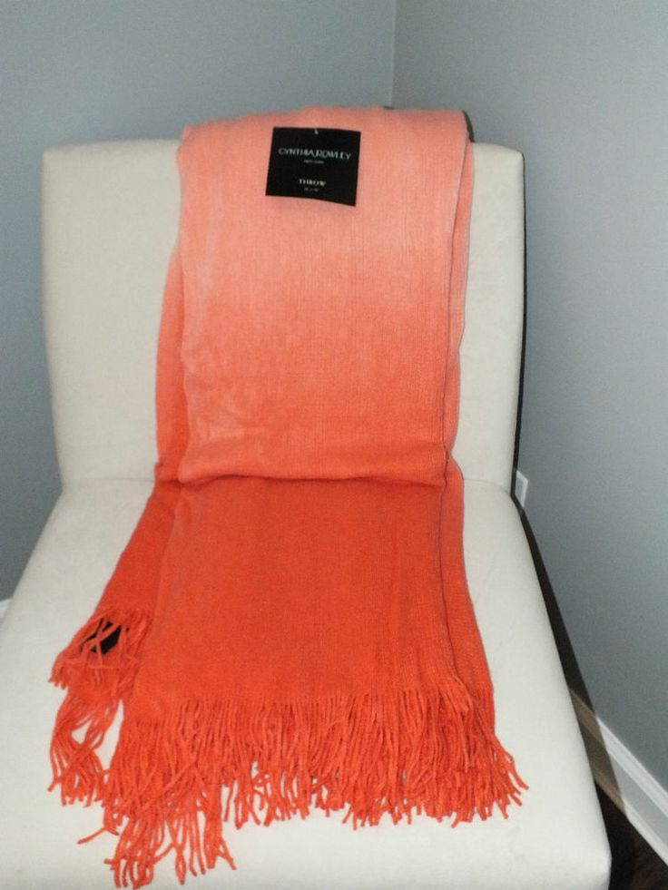 New Cynthia Rowley Ombre Luxury Throw Blanket Fringe Pink