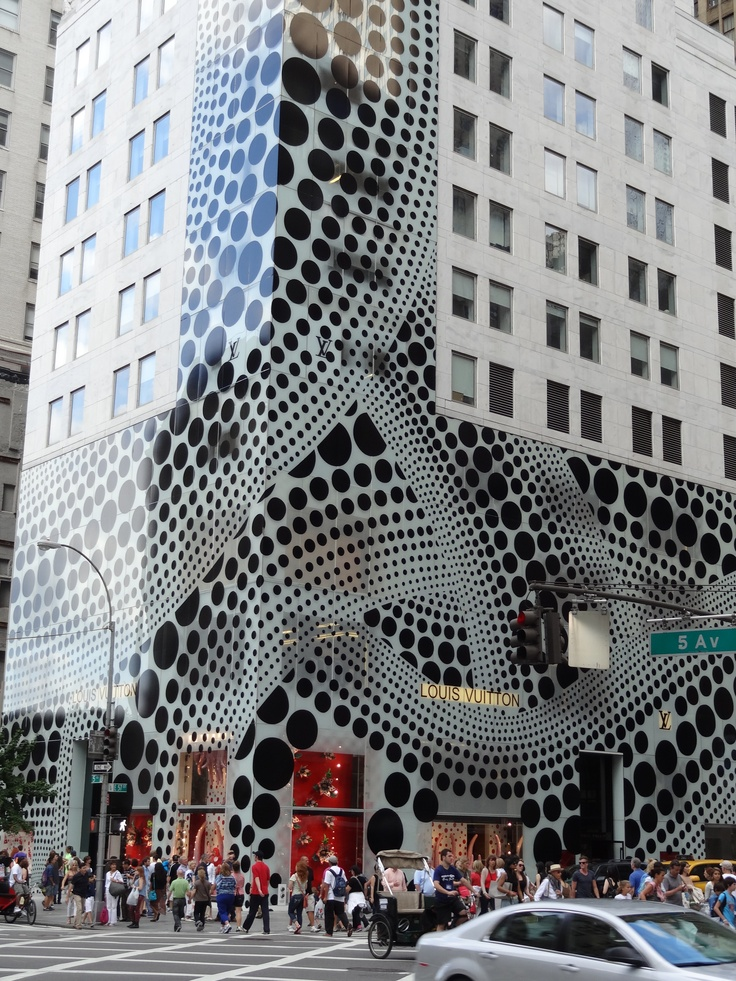 Louis Vuiiton store on 5th Avenue - New York 2012