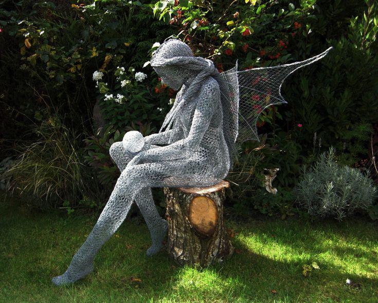 Crystal   Wire Sculpture By UK Artist Derek Kinzett