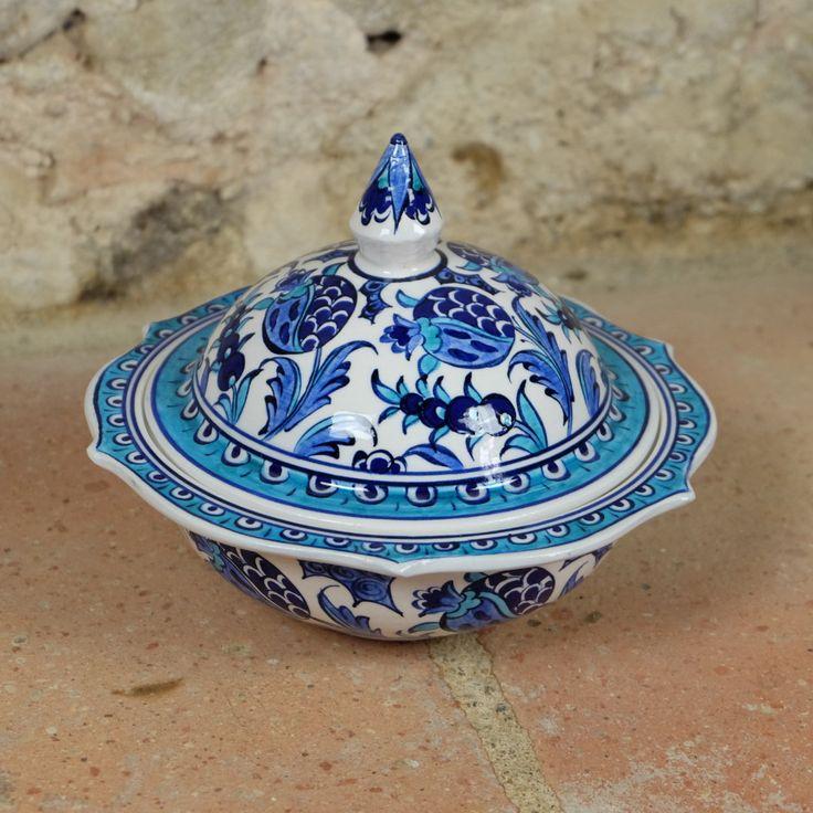 #Bonbonnière en #céramique décor fleuri bleu et blanc