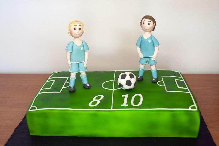 Dort pro dva brášky - fotbalisty. Cake for two brothers - soccer players.
