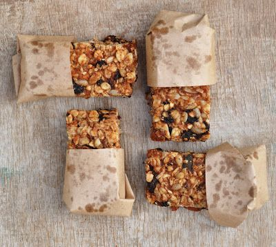 Almond Butter Granola Bars - These bars are packed with goodness: almond butter, bananas, almonds, seeds, rolled oats and dried fruit. Tasty and filling. The perfect snack between meals to keep hunger at bay.