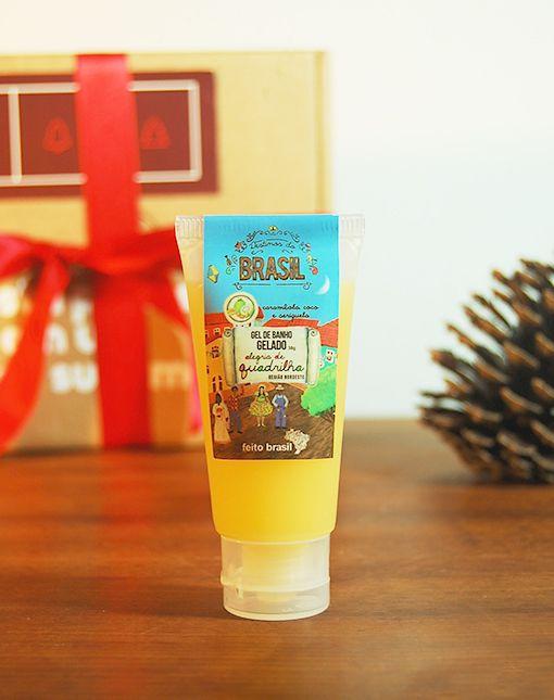 O Gel de Banho Gelado Feito Brasil proporciona um banho refrescante pela presente de óleo de menta. Feito com urucum, tem efeito hidratante na pele. Confira