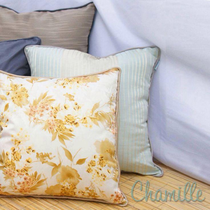 Cushion - accent pillow - colour