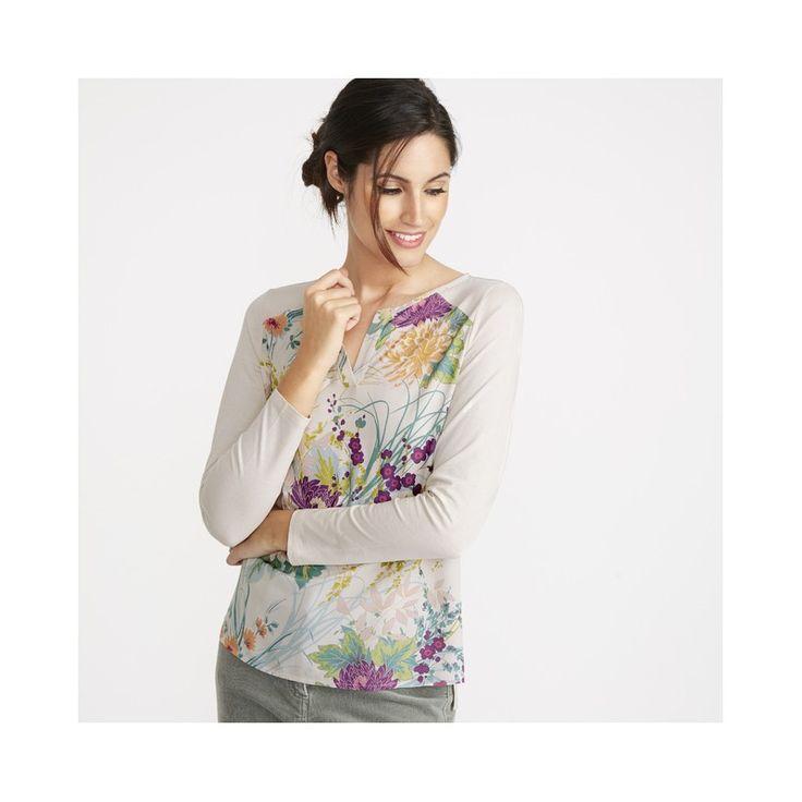 Comprar camiseta de algodón floral de diseño en la Tienda Online de Laura Ashley Decoracion. Camiseta beige claro de frontal decorado con flores grandes. Las m