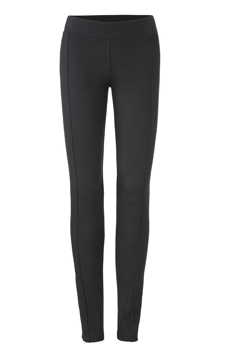 Our ponte leggings are always a hit. We updated our classic silhouette with an elongating seam down the front and back to create the Sleek Legging.