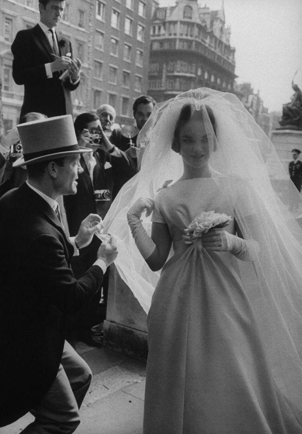 Henrietta Tiarks, Duchess of Bedford in her wedding dress, 20th of June 1961