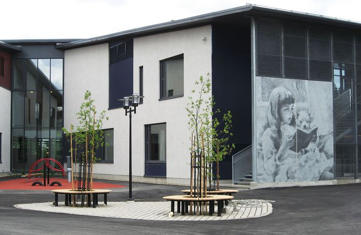 Albert Edelfelt School, Porvoo, Finland 2008. Architect: Eduarch Oy, prefabrication: Betoniluoma Oy.
