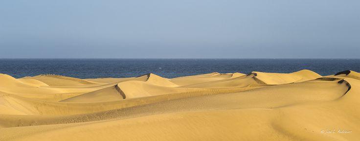 Dunas - En el sur de la isla de Gran Canaria hay una formación de dunas, declarada reserva natural de una gran belleza.