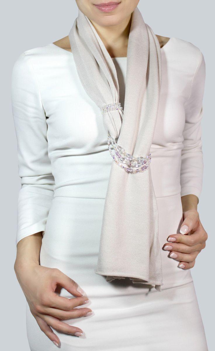 Sciarpa gioiello, sciarpa bianca cashmere, stola elegante, sciarpe eleganti di CapodimontiCashmere su Etsy https://www.etsy.com/it/listing/506608309/sciarpa-gioiello-sciarpa-bianca-cashmere
