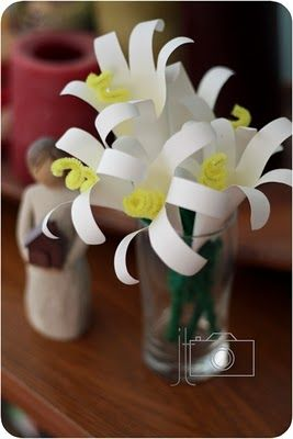 Easter Lily for Sunday School kiddos.  Might try using colored cardstock to make lillies/flowers for Mother's Day.