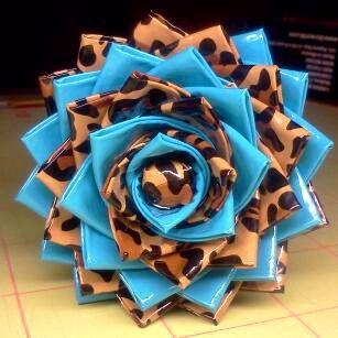 duct tape flower pen - leopard/blue