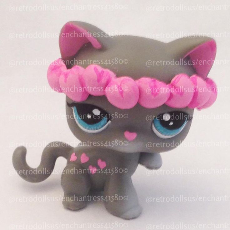 A kitty I just finished tonight. She's inspired by the G1 My little Pony, Snuzzle, and by Miss Pia's gorgeous flower wreaths. She'll be for sale tonight in my etsy shop, RetroDollsUS. #arttoy #bellevueohio #cat #customlps #customtoy #customlittlestpetshop #designertoy #etsy #forsale #girlstoy #toy #lps #lpscat #lpsforsale #lpskitty #lpscustom #lpscustoms #littlestpetshop #littlestpetshopcustom #snuzzle #hearts