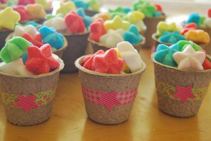 Diy caja de frutas con macetas de chuches como detalles - Macetas de chuches ...