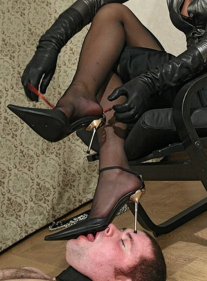 art of foot worship on pinterest femdom foot worship and mistress