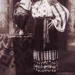 Romanian costume from Mehedinti back in 1920 's