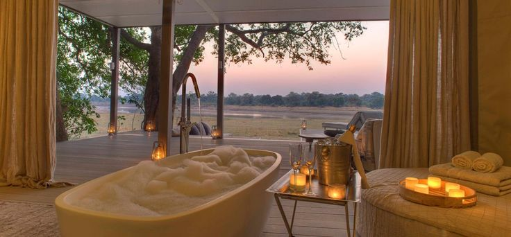 Bath time at Chinzombo, Norman Carr Safaris, ZAMBIA