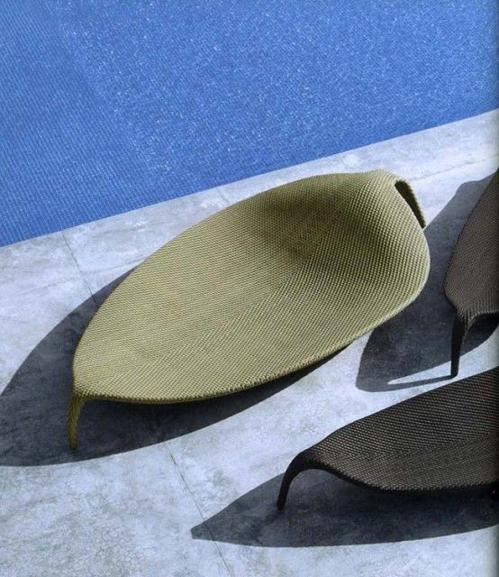 Outdoor Wicker Chaise Lounge - Leaf by Dedon