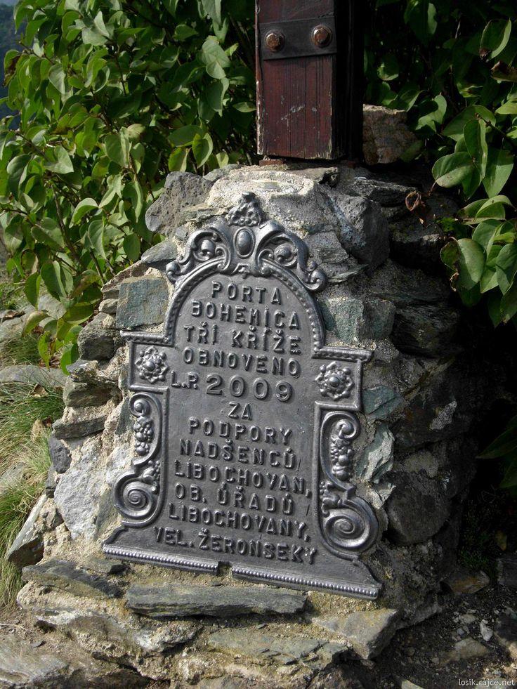 Tři kříže u Velkých Žernosek a Libochovan