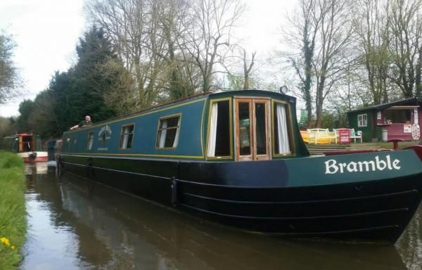 Room Search | SomeRoom Basingstoke Canal Deposit: £267.00 PW: £1080.00 Start date:28/10/2016 Number of bedrooms: 3 Accommodates: 8 Room Type: Houseboat   Availability:Per Week   More Details: https://www.someroom.com/room-type/barge-holiday-narrowboat-basingstoke-canal-8-birth