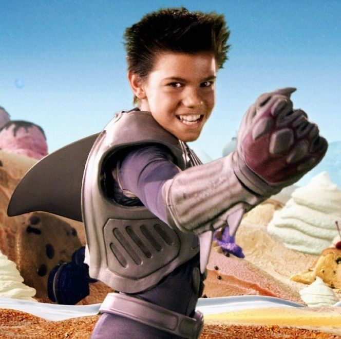 Best 25+ Shark costume... Taylor Lautner Sharkboy