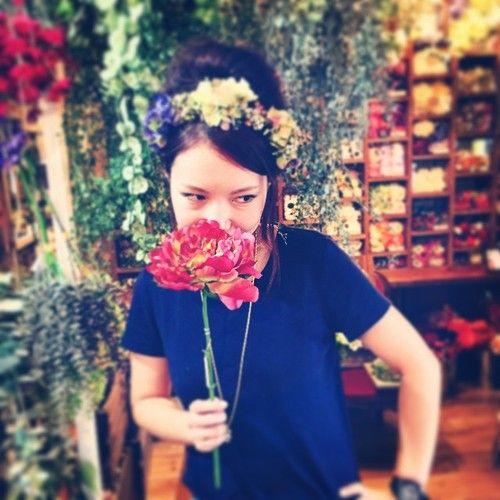 今日はフェス向けアイテムのご紹介音楽の秋に頭を彩る花冠はいかがですか?あなただけのオリジナルアイテム、、ワンランク上のフェスファッションでより一層楽しみましょう⤴︎#Camboa#アーティフィシャルフラワー #造花#花冠#花輪#フェス#ファッション#フェスアイテム