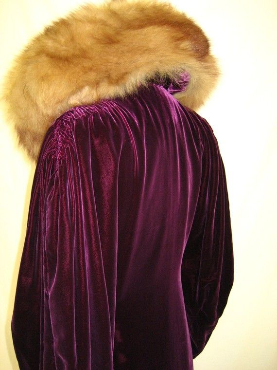 ~1930s silk velvet sable evening coat (upper back)~