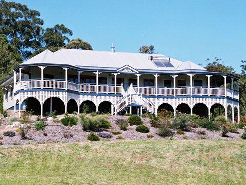 Traditional Queenslanders Home Designs. Visit www.localbuilders.com.au/index.htm to find your ideal Kit home design in Australia