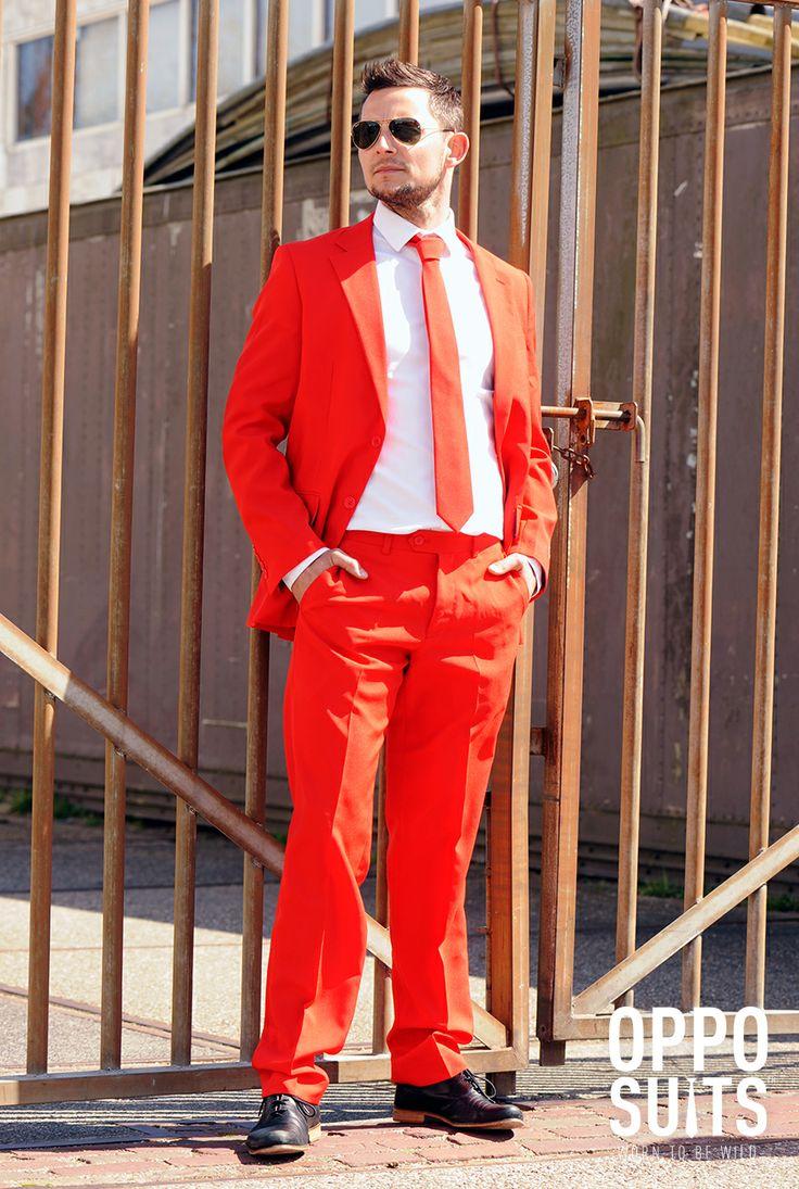 Rødt Jakkesæt. Jakkesæt med buks, jakke og slips helt rødt. Red Devil super sejt. #devil #red #jakke #herre #mode #herremode