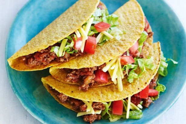 Aussie-style Beef and Salad Tacos // Looking at the ingredients but, it looks like regular Mexican-style tacos to me... Still yummy tho