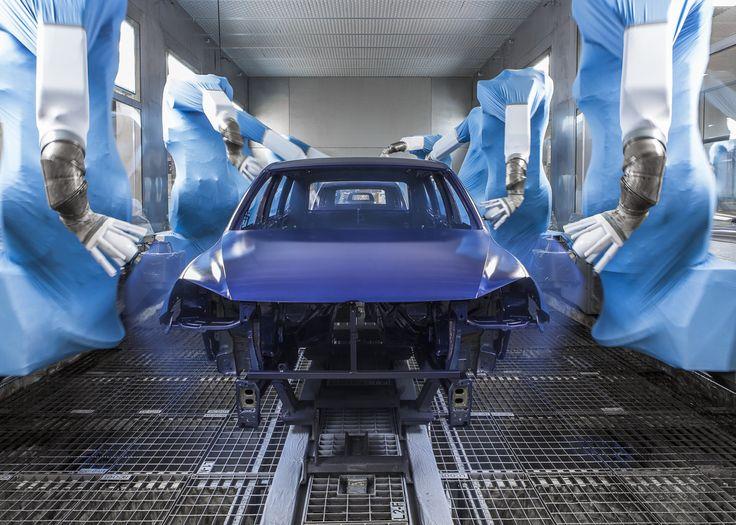 Ohrozené budú v budúcnosti najmä miesta v priemyselnej výrobe, teda v sektore, ktorý je v súčasnosti ťahúňom slovenskej ekonomiky, kde automatizácia prebieha ...