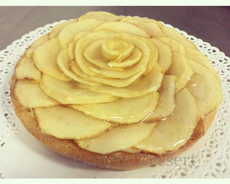 Crostata integrale con mele cotte e crema